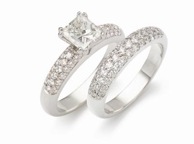 Princess_cut_pave_engagement_weddin